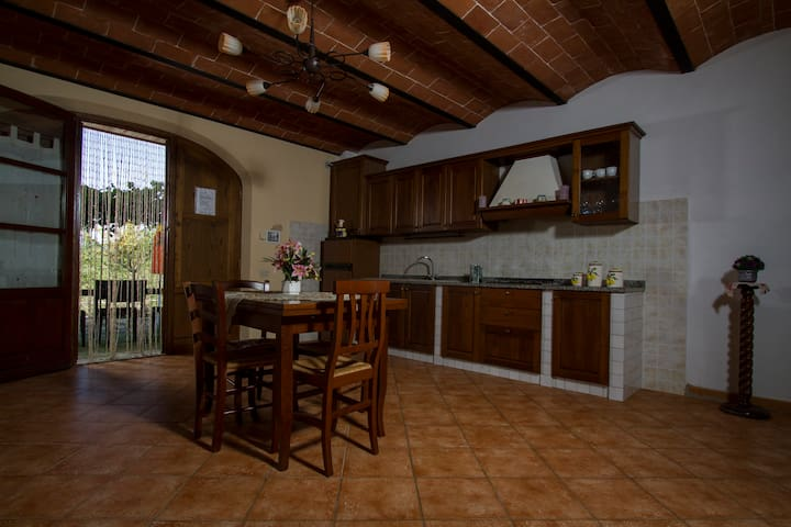 Two bedroomed apartment in the heart of Tuscany! - Peccioli - Appartement