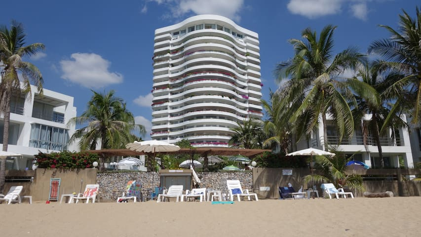 Affordable Beautiful Private Beach front Condo - Klaeng District - Apto. en complejo residencial