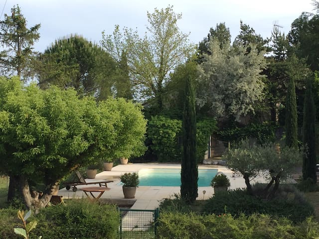 Nice house with pool in Luberon / Maison Luberon - La Tour-d'Aigues - Casa