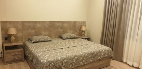 Private room for females only.Fully equipped house