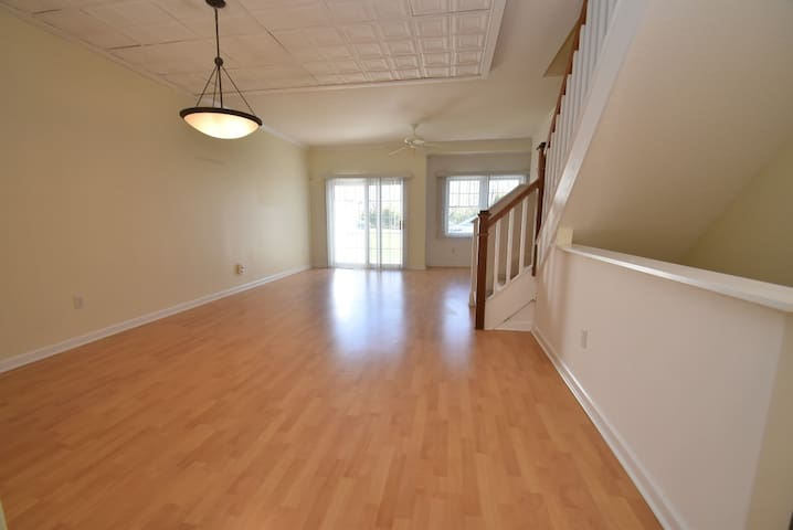 Clean Quiet Condo Close to Yale Quinnipiac - Hamden - Kondominium