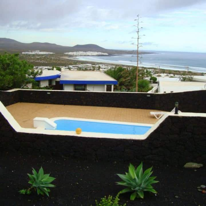 Villa  Canaria- Famara
