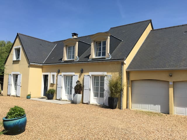 For Rent, Rooms on Le Mans 24 Hours Race Circuit