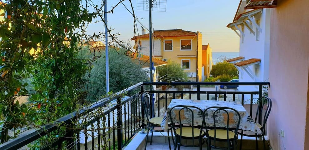 Skioni Apartments - Second Line with Sea View