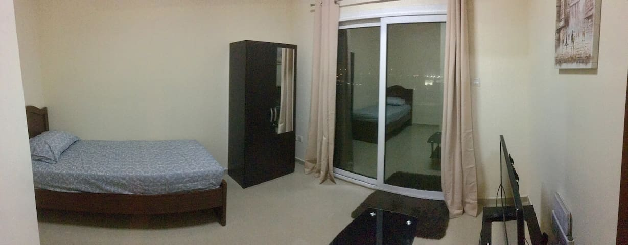 Furnished private room for travelers with balcony