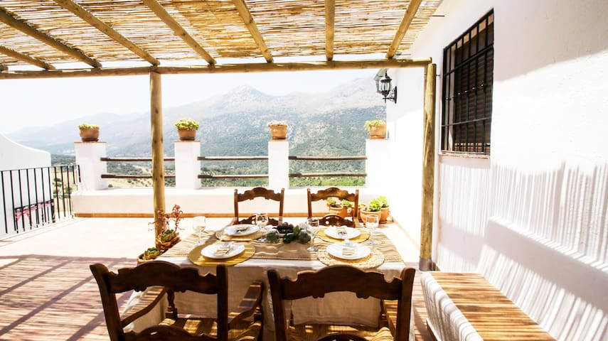Mill-House: Great terrace, Magnificient views!