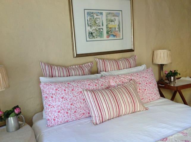 2 bedroom garden cottage at Albion B&B