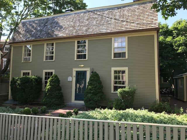 Charming Third Floor Suite in Historic Marblehead