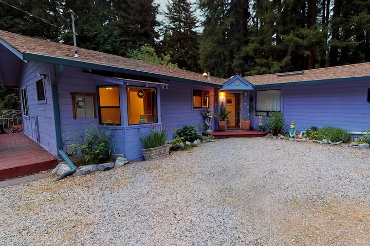 Front of House. Studio attached to the right side of the house.