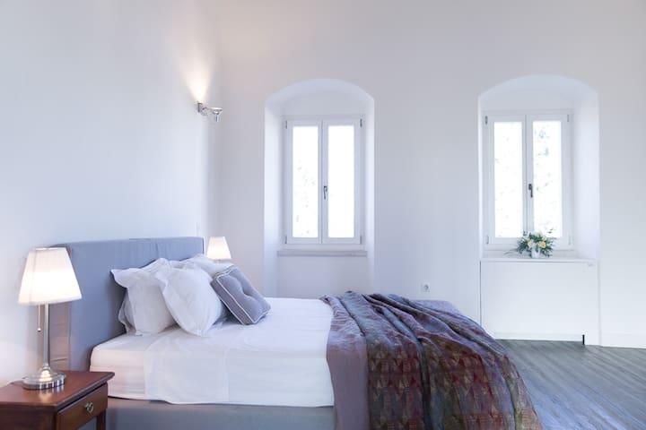 Honeymoon Residence bedroom 1