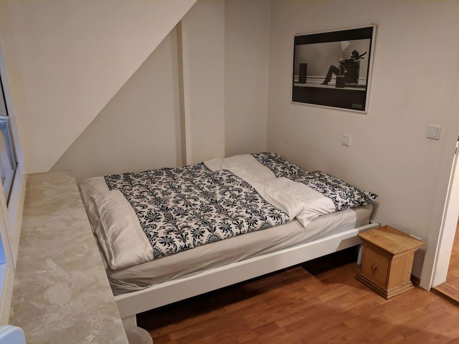 1. Schlafzimmer - Bedroom