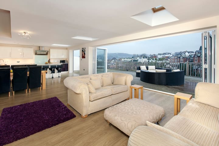 Ideal family location with beautiful sea veiws - Teignmouth - House