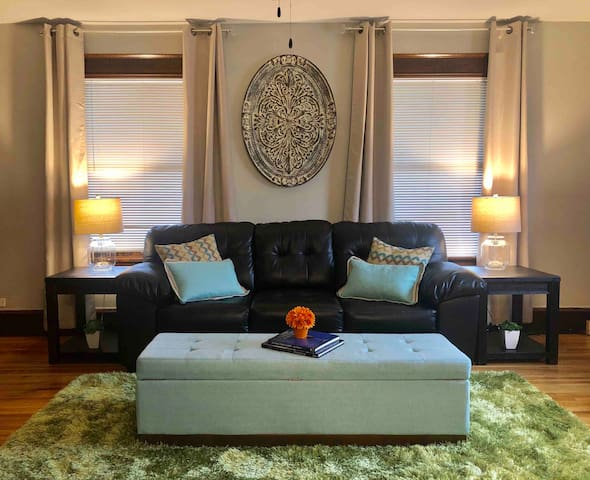 """Convention Center★2 Bedroom★55""""4K TV★Fast WiFi"""