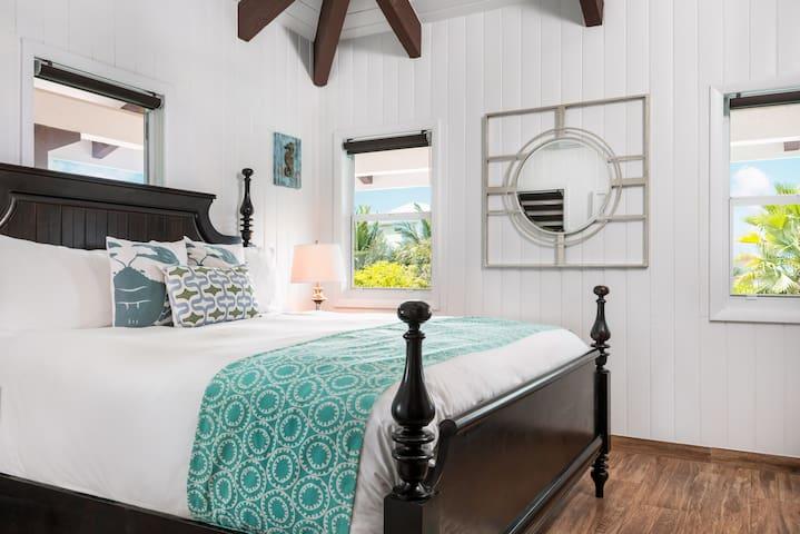Third King bedroom