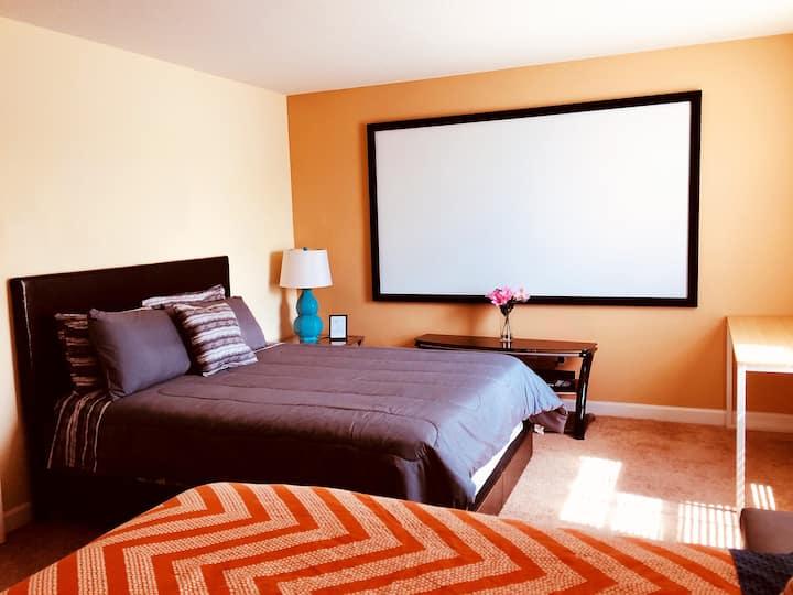 "Fantastic 3-bed +100""TV in Golf Villa - New Promo"