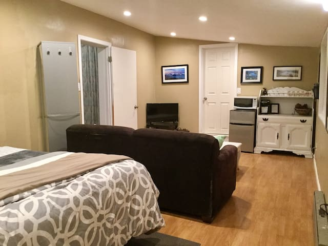 All necessities are included in the sweet suite. WiFi, Smart TV, Mini Fridge, Microwave and Keurig (with coffee and creamer).