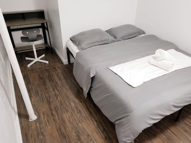 Room in Sunny Prime Williamsburg Pad
