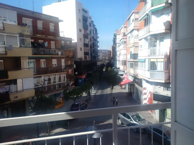 Cómoda habitación en Alcorcón - Alcorcón - Haus