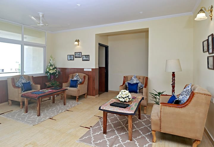 1 Bedroom with King Bed in Shared Spacious Apt!