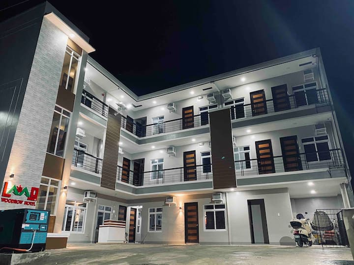 Bed and Breakfast - Laoag Woodrow Hotel