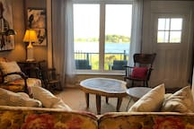 Built in 1838 Lilly Pad is one of Granville Ferry's oldest homes. Recently renovated  with all LED lighting, New water heater.  Lots of the charming original finishes highlighted in the modern updates.  Queen in the loft a double on the first floor.
