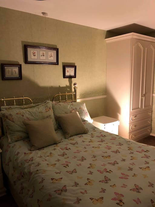 Lovely cosy and relaxing bedroom  with double bed