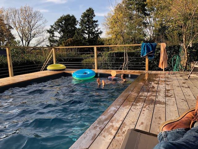 Villa au calme avec piscine et vue dégagée
