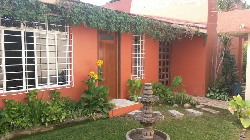Your home away from home - Oaxaca - Hus