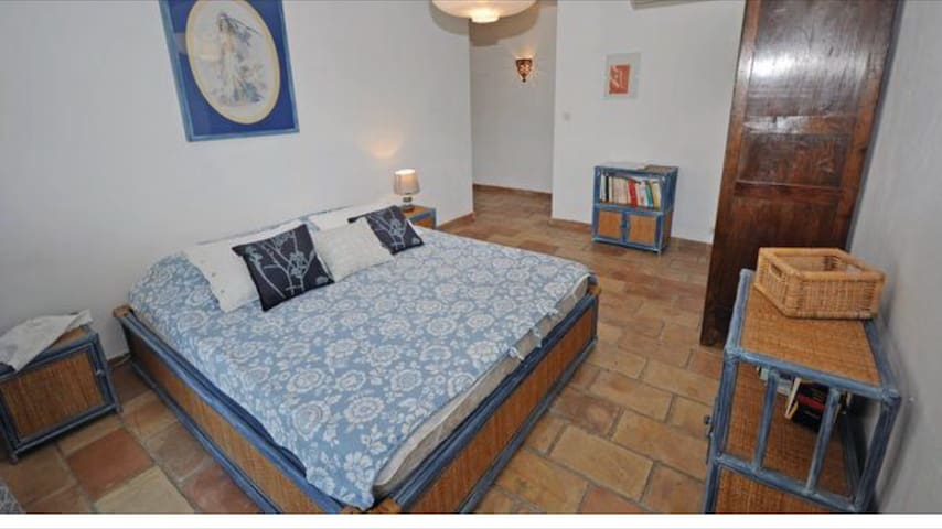 chambre Grand confort dans Villa - Niza - Bed & Breakfast