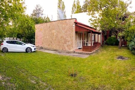 Haus mit Garten 2 Minuten von Balaton - Siófok