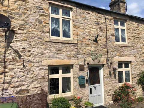 Rose cottage in the heart of beautiful weardale