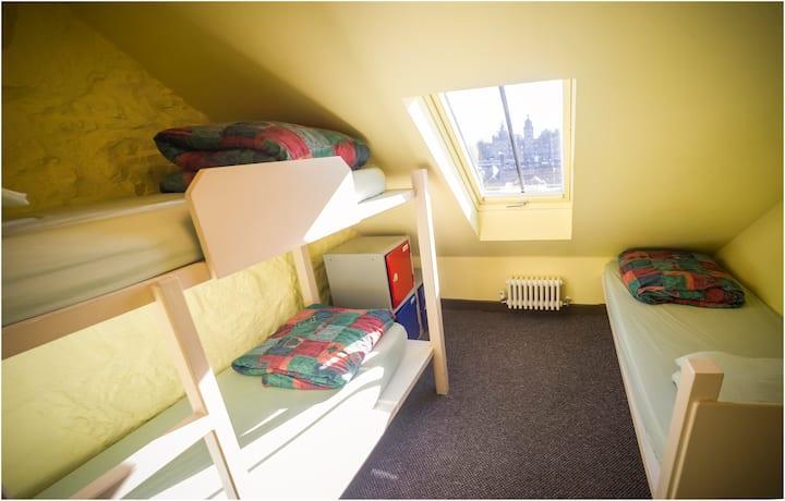 Basic Triple Room in Hostel
