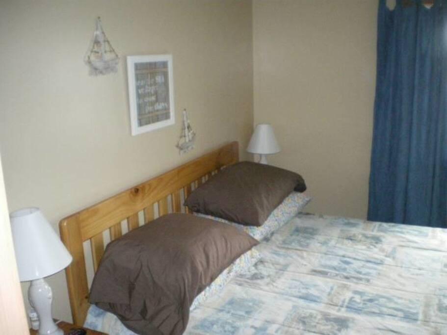 Queen Bedroom (Master)