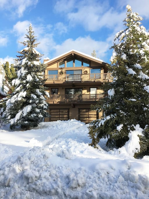Country cabin cottages for rent in big bear california for Cabin for rent in big bear ca