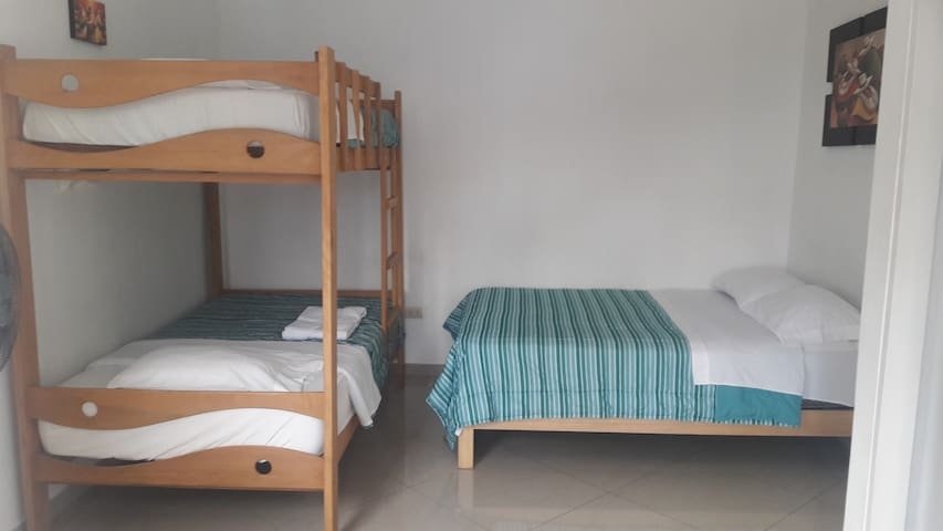 Comfortable rooms in Miraflores (4persons)