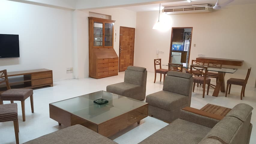 cozy at diplomatic zone - Dhaka - Appartement