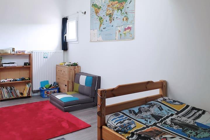 Chambre étage – Lit simple (+ lit d'appoint)
