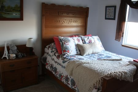 Traditional B&B in North C. Springs - Colorado Springs