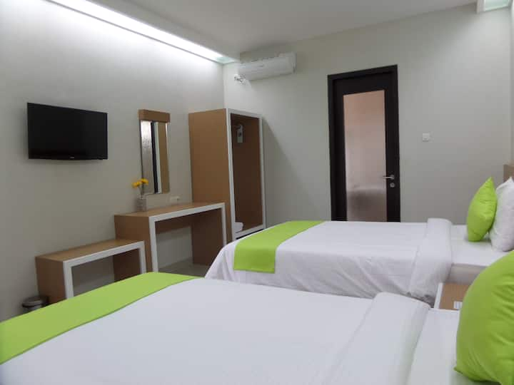 Shinta Guesthouse Twin Bedroom, Malang