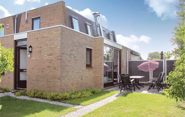 Semi-Detached with 3 bedrooms on 70m² in Nieuwvliet-Bad