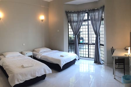 Long Stay - Clarks rooms for 2 - Muar - Huis