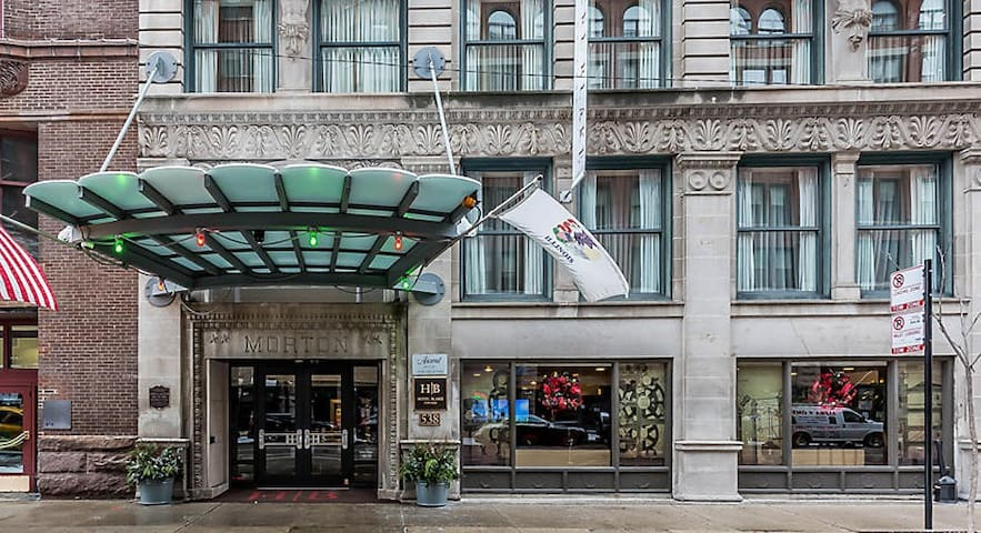 Hotel Blake - Rm for 2, 500 S Dearborn St. Chicago