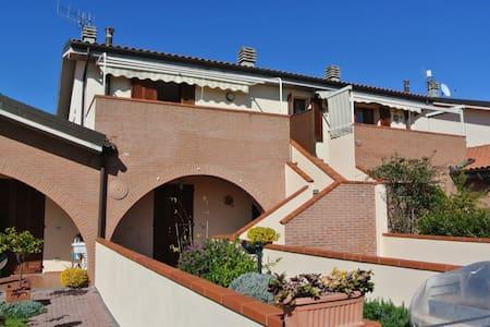 Incantevole appartamento a Riotorto - Province of Livorno - Wohnung