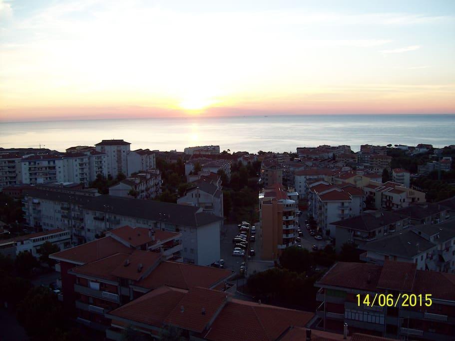 vista panoramica mare e sottostante