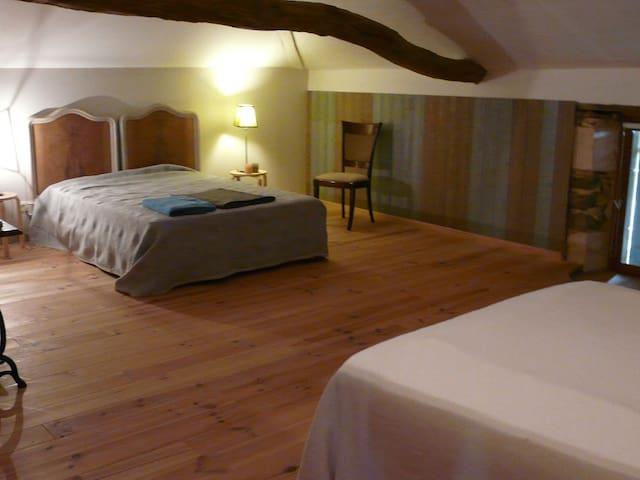 chambre 2 lits 1er étage