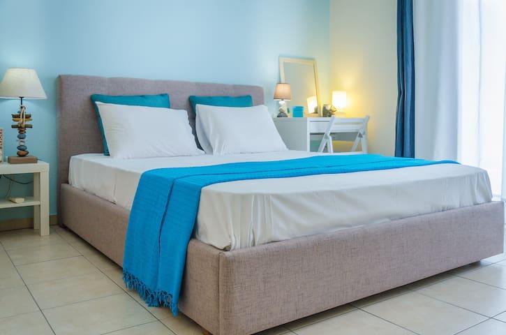 1st Bedroom: Queen-size comfortable bed +TV +AC +hairdryer