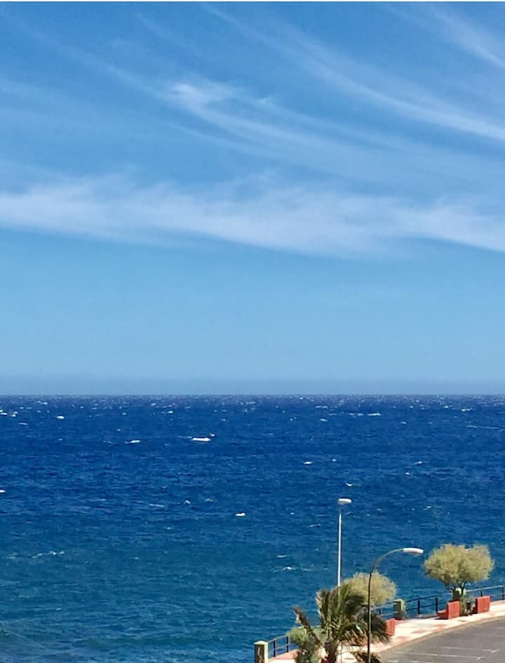 Luz, vista al mar y a 100 metros de la playa