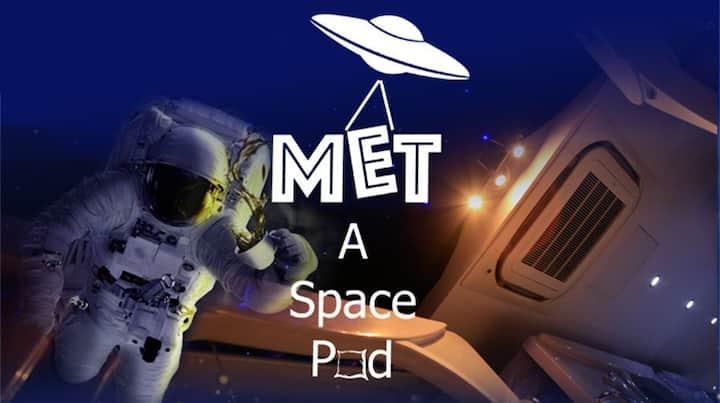 MET A SPACE POD @ Boat Quay ( Premier Space Pod )