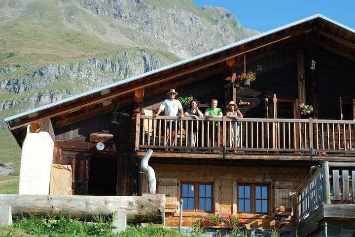 LE MEGEVAN 3 * bed and breakfast in mountain 1550M