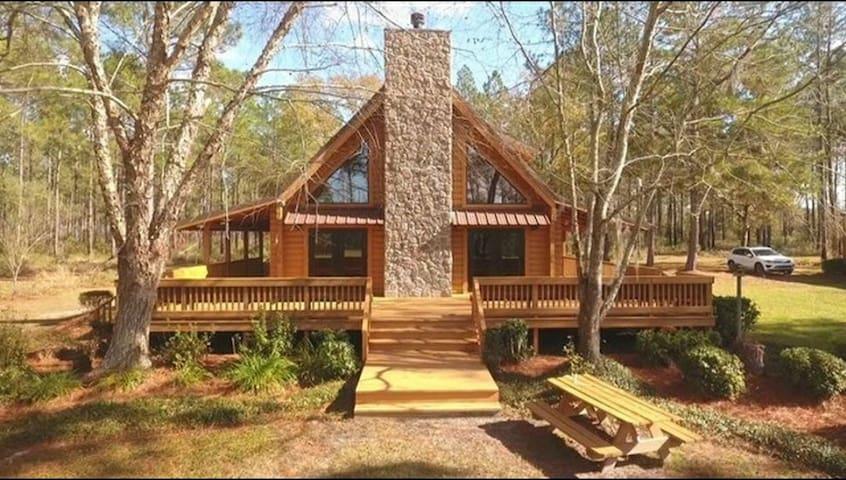 20min North of Valdosta GA private secluded cabin